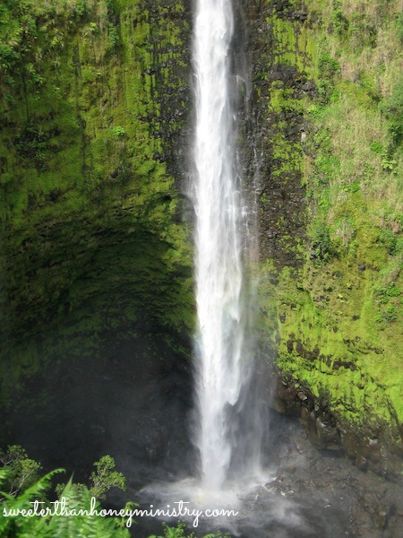 waterfall hawaii